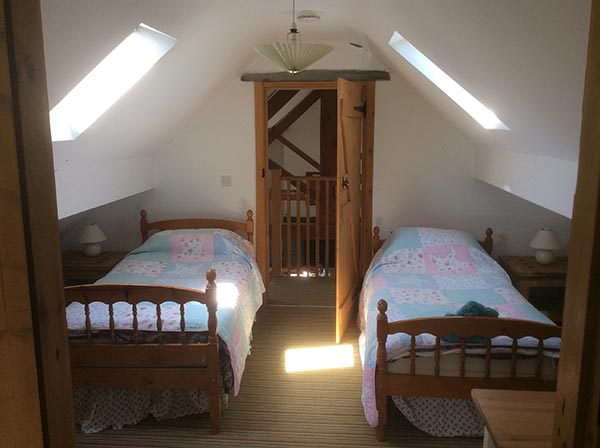 beudy-mawr-upstairs-bedroom-again