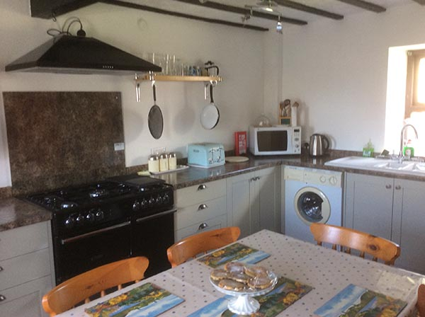 hendre-kitchen